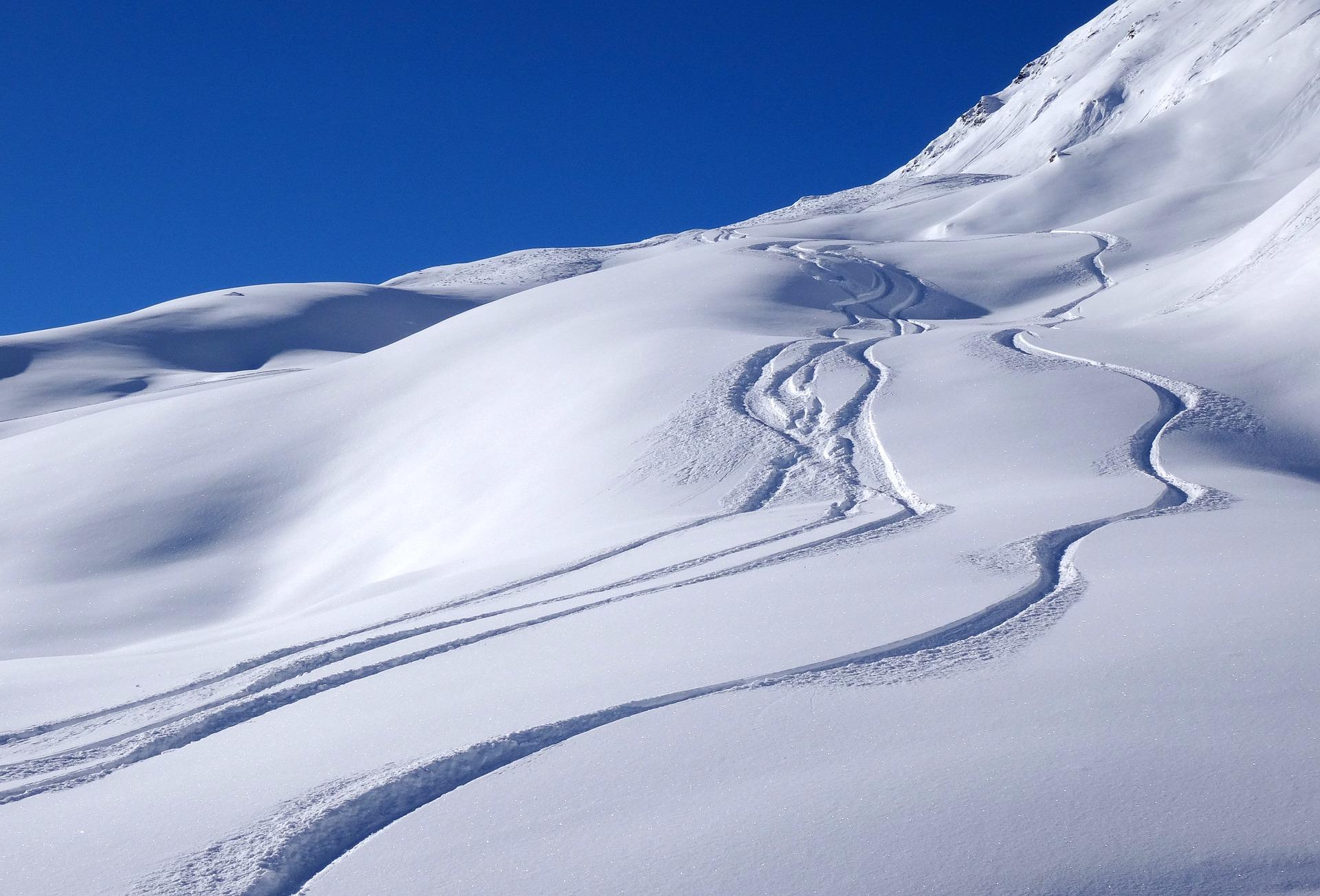 snow-1273379_1920
